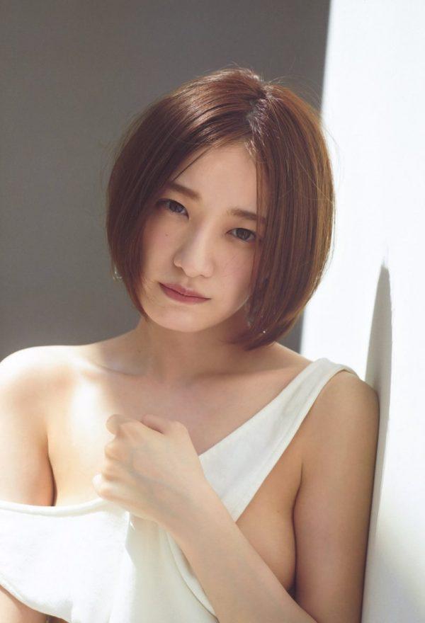 中田花奈の水着おっぱい画像