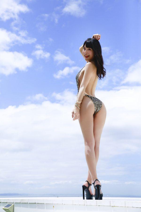 川崎あやのエロおっぱい画像